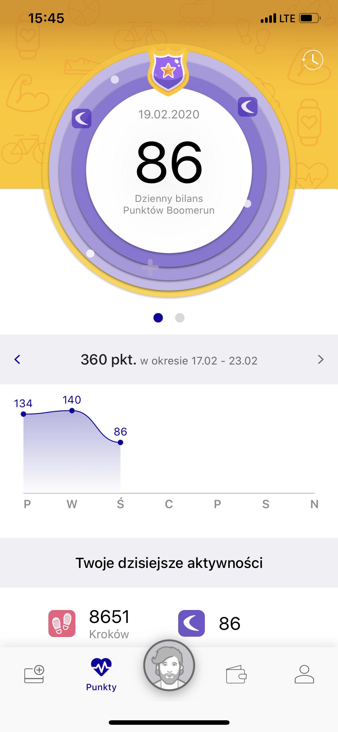 W aplikacji widoczny jest dzienny bilans aktywności fizycznej.